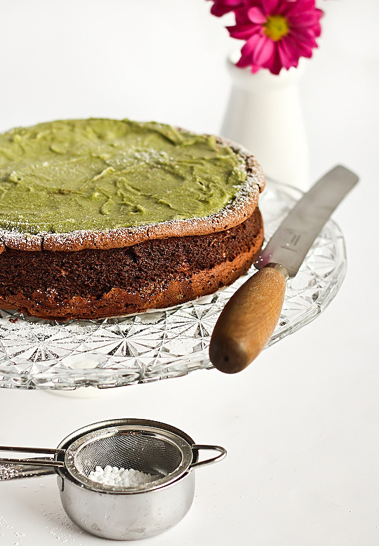 flourless_chocolate_greentea_cake-3