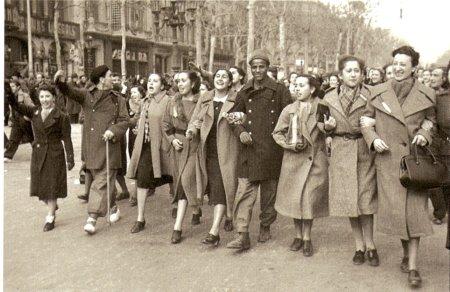 11h18 Brangulí Paseo de Grancia 1939 Manif adhesión a la llegada de las tropas de Franco a Barcelona