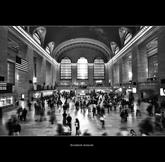 Grand Central Terminal - New York City (Shobeir) Tags: life nyc newyorkcity people blackandwhite bw newyork blur architecture america subway movement manhattan ghost crowd landmark historic transportation centralstation midtownmanhattan historicalplace grandstation sigma1020 subwayterminal newyorkcentralstation shobeiransari