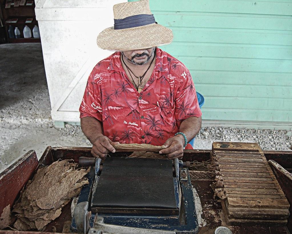 Hand Made Cigar Maker