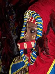 tribu marroqui II (Moygo) Tags: espaa color azul spain rojo fiestas alicante marroqui turismo elda negros tribu moros cristianos