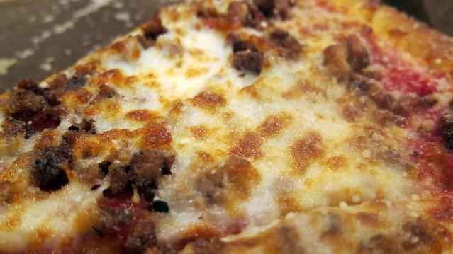a little pizza at davincis pizzeria