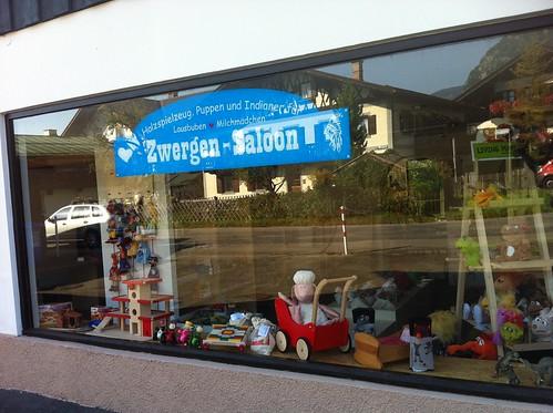 Zwergen-Saloon Fensterbeschriftung