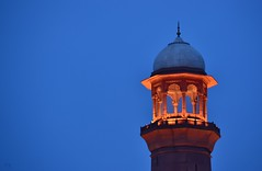 Badshahi Mosque, Lahore (Haseeb K) Tags: blue pakistan architecture king minaret muslim mosque lahore minar masjid emperor mughal badshahi minaar