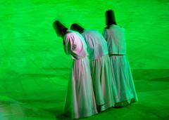 Dervisci rotanti-whirling dervishes in Konya-giorgio pizzocaro (ainda718) Tags: travel turkey ceremony sema sufi viaggio dervishes konya cerimonia turchia whirlingdervishes mevlana dervisci derviscirotanti giorgiopizzocaro