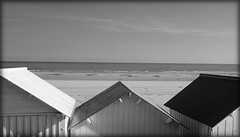 Plages normandes.... (kate053) Tags: bw mer vacances soleil nb normandie cabines blackwhitephotos blinkagain