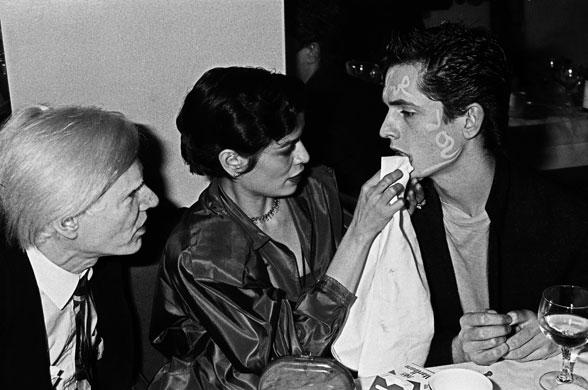 Andy-Warhol-Bianca-Jagger-001