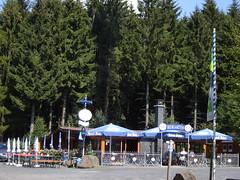Bester Rastplatz auf dem Westerwald-Steig: die Alpenroder Hütte