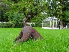 Garden dog (pernillarydmark) Tags: illusion gardenstatue fotosondag fs110918 trdgrdsstaty