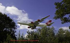 Boing-747 (Muzammil (Moz)) Tags: london landing jumbojet moz boing747 lowapproach muzammilhussain