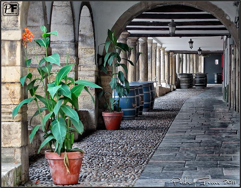 Un pasein por Aviles - portalones en la Calle Galiana