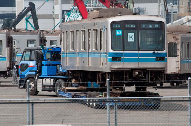 東京メトロ東西線05系 05-104F, 05F, 12F 船積み