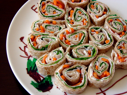 Turkey and Spinach Sandwich Roll-Ups