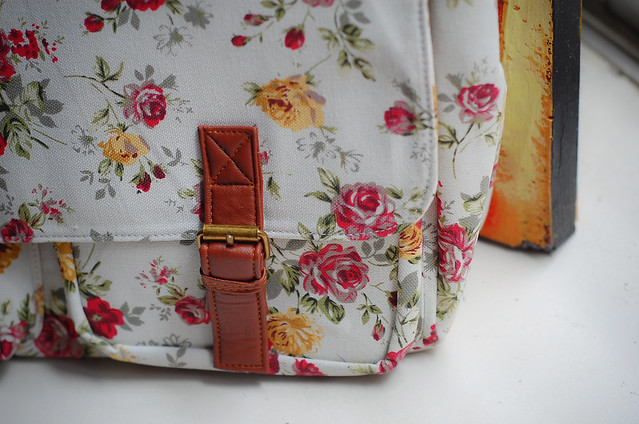 Folded and hung floral satchel_denise katipunera_mommy style_stylish diaper bag