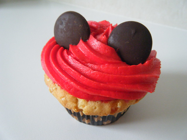 Simple Easy Mickey Mouse Cupcake