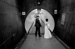 Tunnel of Love (_Bunn_) Tags: street leica wedding love film 35mm singapore marriage hc110 tunnel summicron asph 149 m7 kodaktrix400 spnp instruction49
