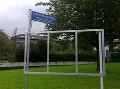 Tana-Schanzara-Platz: Leeres Spendenplakat