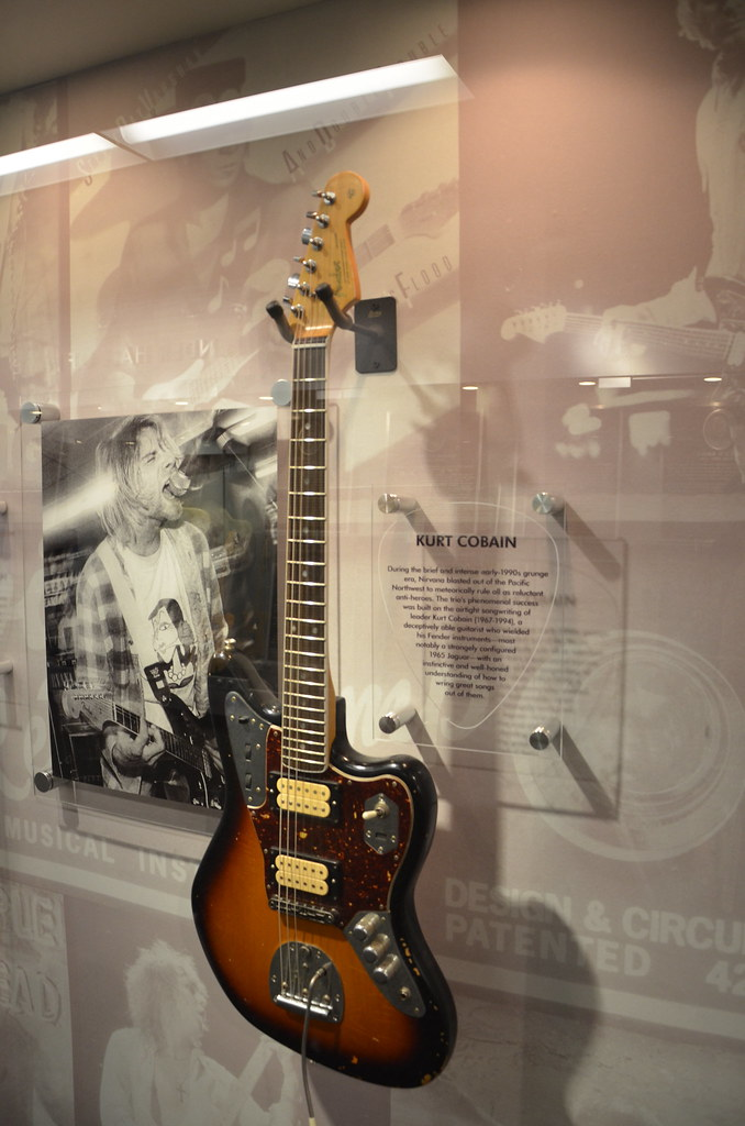 com bull view topic fender to release kurt cobain here is an actual photo of the guitar from the new fender or s center this is from their flickr page