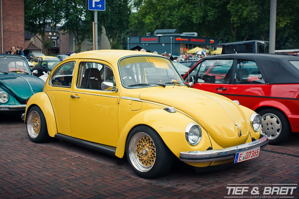 VehicleDetails furthermore Saveiro Cross G6 Rebaixada E Legalizada Linda Top 167475933 as well Nacimiento Del Volkswagen Beetle Alias El Escarabajo as well Movie 95662 Moving together with The Classic Vw Show 2016. on volkswagen super beetle