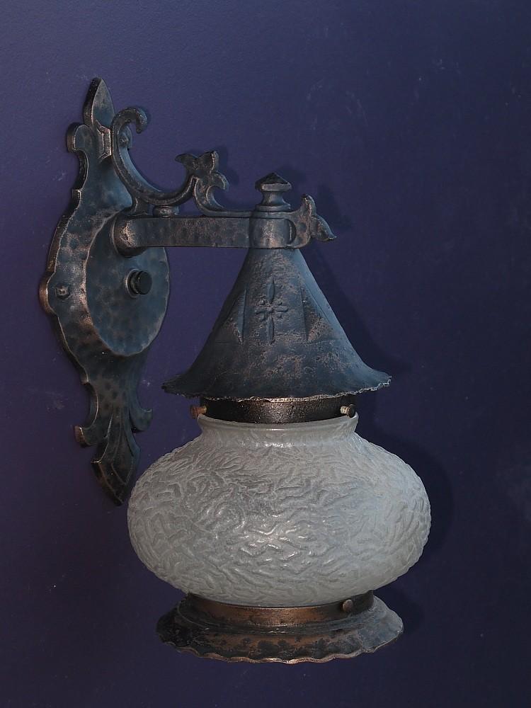 Vintage cottage porch light lamp | vintagelights.com