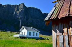 NinaS_110706_0259 (Nina Schneider) Tags: arkitektur trehus værøy mostad