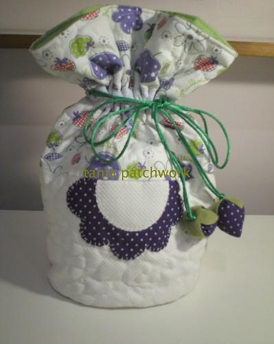 Saquinho Necessaire Flor by tania patchwork