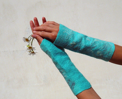 fingerless gloves, wrist warmers, mittens, wool felted, turquoise