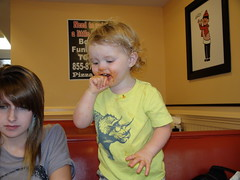 DSC01784.JPG (gregorylggregory) Tags: smile fun child daughter grandfather mother southcarolina smiles kristin pizza grandson messy buffet spaghetti easley easleysc kolton pizzainn easleysouthcarolina
