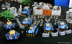 Imperial Guards- Warhammer 40K (Mey Pinkuberry) Tags: game miniature war aliens robots zombies strategy humans tanks mechas warhammer40k ogres
