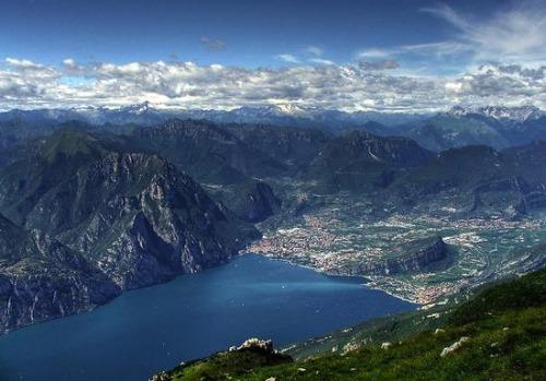 Veduta lago di Garda - versante nord