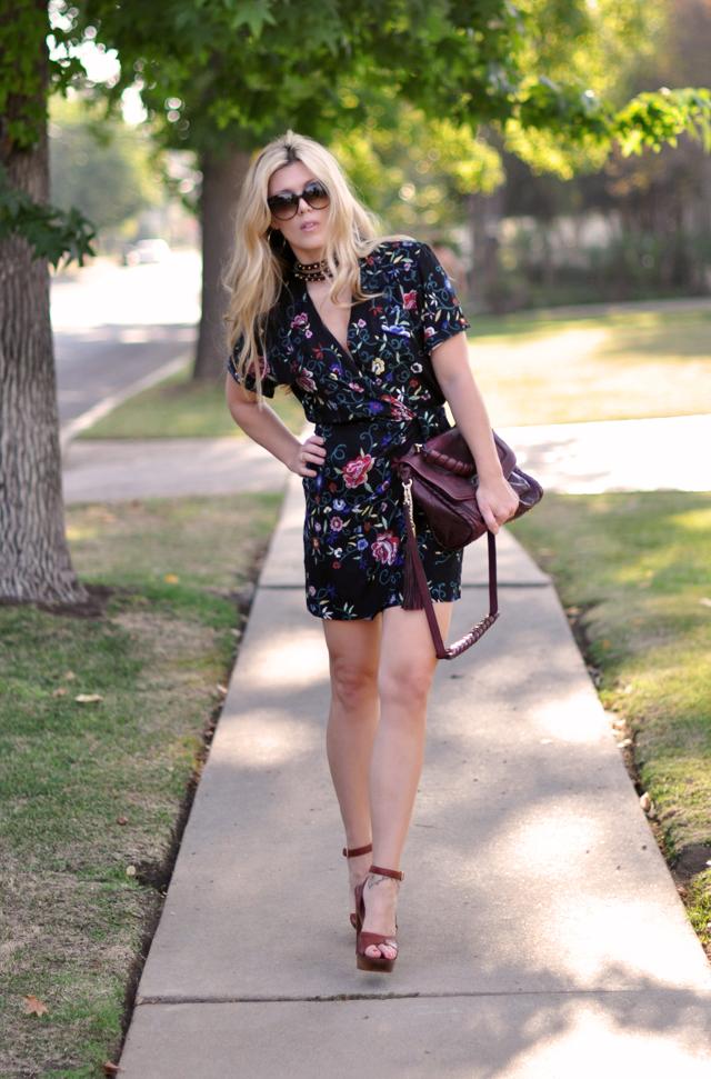 outfit+fashion +YSL platform sandals+studded neck cuff+gucci sunglasses+romper
