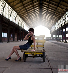 What is eternal is circular, and what is circular is eternal. Aristotle (huguesphotography Tabery Hugues) Tags: station fashion nikon gare tunnel edward conceptual nikkor maxime brune topmodel hugues 2470 stylisme tabery tourtaxi d700 huguesphotography