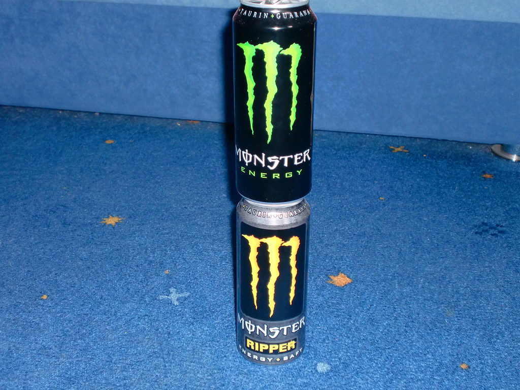 Monster Energy Stapel