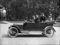 James Campbell Percy and friends (National Library of Ireland on The Commons) Tags: car automobile august 1912 1910s publisher glassnegative motorcar nationallibraryofireland ahpoole jamescampbellpercy jcpercy poolecollection arthurhenripoole wfpeare billpeare