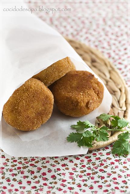Albóndigas fritas de pollo y aceitunas_1