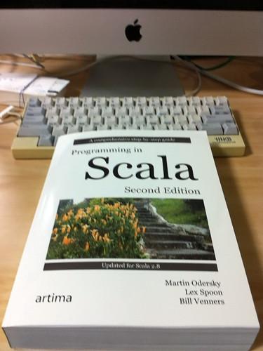 scalaの本買ってみた :-)
