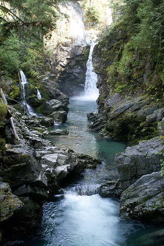 squamish-waterfall_1