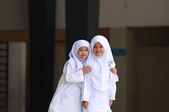 bambine islamiche (francesco salustri) Tags: malesia velo moschea primipiani bambine francescosalustri