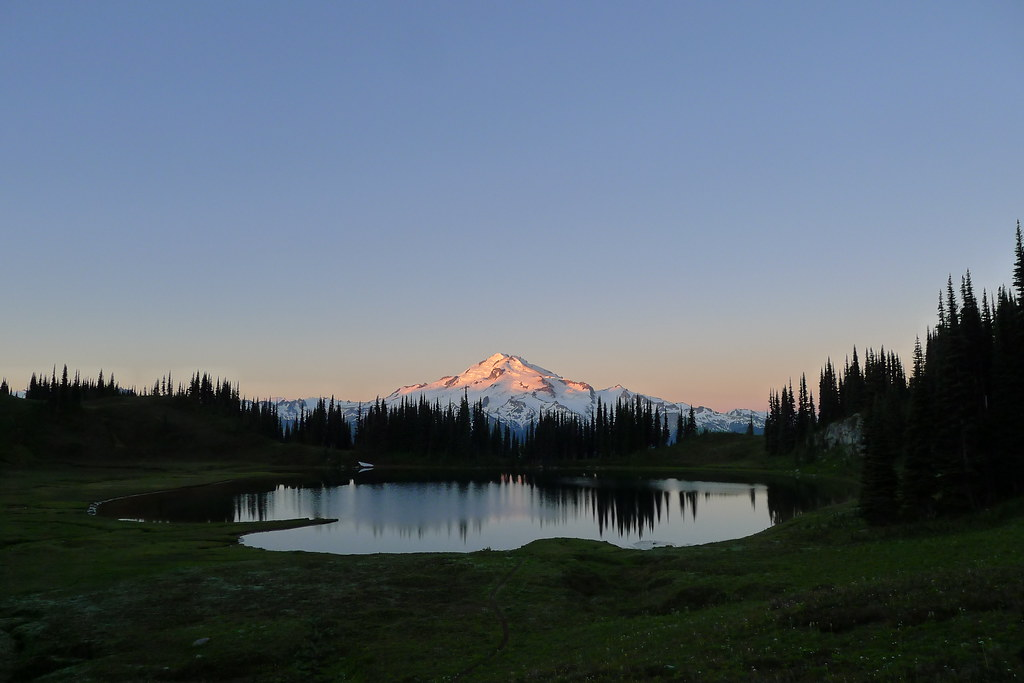 Dawn on Glacier Peak