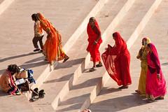 Colorful women in Pushkar (Dick Verton) Tags: travel india colors women asia pushkar begger ghats