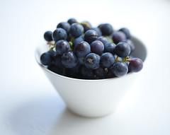 grapes (miemo) Tags: stilllife macro closeup studio berry berries bowl grapes ef100mmf28 grape