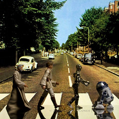 220/365 Alternative | Abbey Road (egerbver) Tags: obiwan kenobi luke lukeskywalker c3po 3po r2d2 r2 starwars thebeatles abbeyroad beatles crosswalk reflection toy toys habro actionfigures actionfigure davideger 365 365daysofclones iainmacmillan remake recreate recreation alternative homage reconstruction reconstruct influencial photographs copy replica same parody parodies redo similar