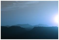 calidez azul... (irium) Tags: azul paisaje montañas ltytr2 ltytr1 ltytr3