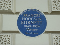 Photo of Frances Hodgson Burnett blue plaque