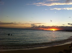 IMG_2655 (Jason Lander) Tags: sunset jason hawaii honeymoon waikiki oahu honolulu royalhawaiian caryn