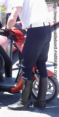 Motard CRS 08 (tripuniforme) Tags: cop bottes motard crs cuir motorcop leatherboots tallboots frenchpolice tallleatherboots menboots bottesdecuir wornboots bikermen botteshautes bottesdemotard motardcrs bottesdemecs