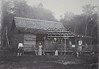 Woning ten behoeve van medewerker spooraanleg (Stichting Surinaams Museum) Tags: spoor suriname woningen spoorbaan arbeiders aanleg