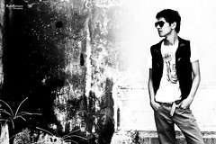 IMG_1961 (Rodin Rodriguez) Tags: old urban sun square photo jump shoot jean outdoor style shades jeans sit prodigy levitate