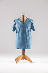 Perry - V-Neck T-Shirt
