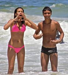Boys and Girls having fun at the Arpoador Beach (alobos Life) Tags: